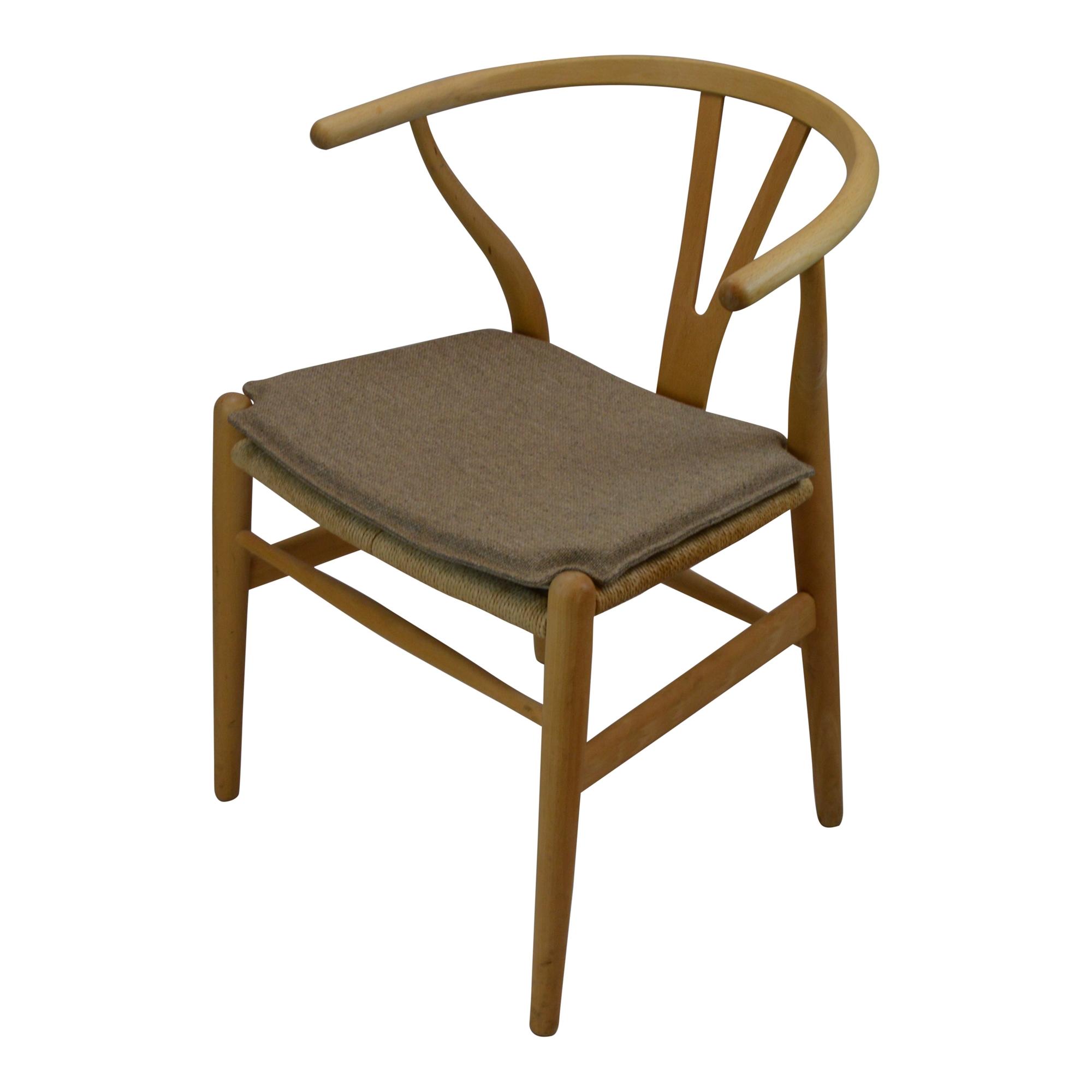 seat cushion in hallingdal fabric for ch 24 wishbone chair